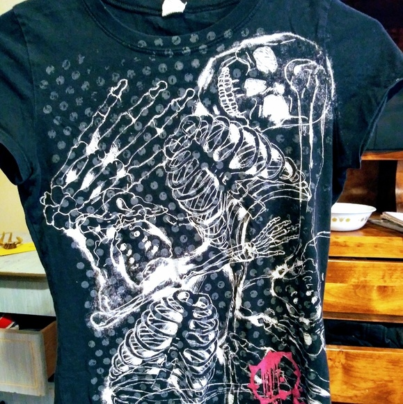 Volcom Tops - Black & Pink Skull Volcom T-Shirt
